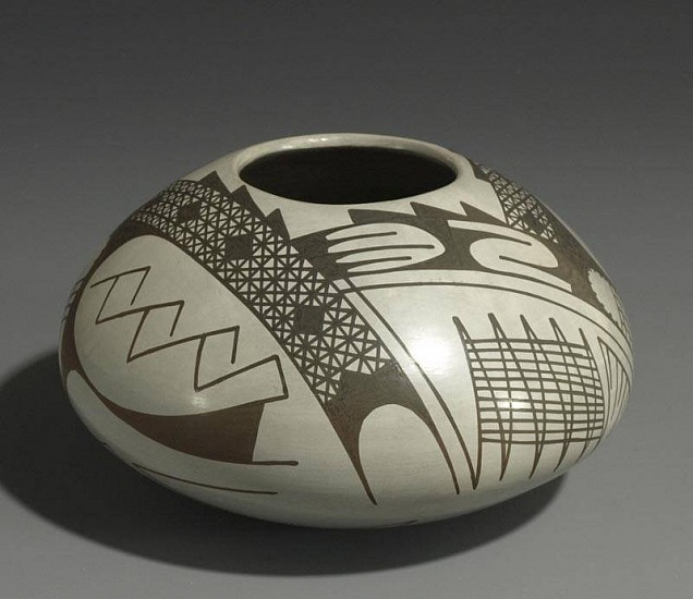 Ravenscroft Pottery Collection, Mata Ortiz -Alvano Quezada clay