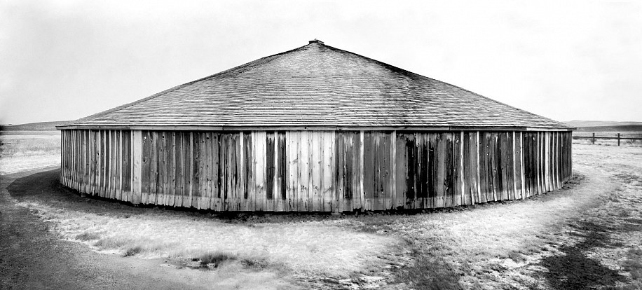 Mark Lisk, Pete French Round Barn 2018, photography