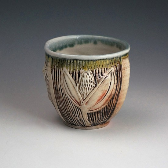 Gina Freuen, Trailing Vine Teabowl with Thistle 2019, porcelain